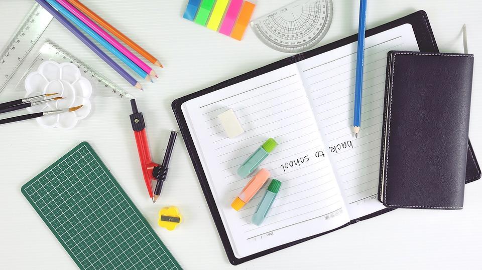 Niezbędne artykuły biurowe do Twojego biura